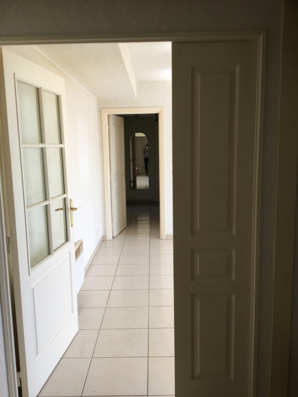 Rental apartment Fréjus 1 110€ CC - Picture 7