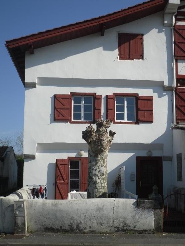 Rental apartment St pee sur nivelle 700€ CC - Picture 1