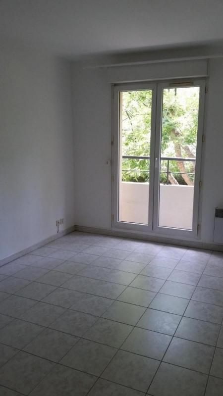 Location appartement Aix en provence 900€ CC - Photo 3