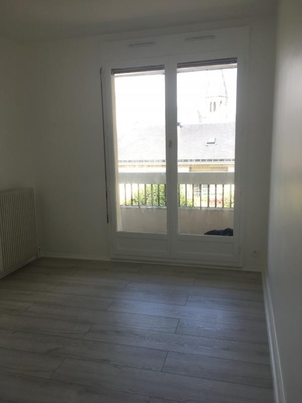 Location appartement Poissy 900€ CC - Photo 3
