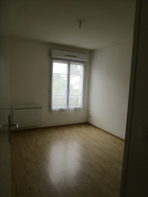 Rental apartment Carbon blanc 737€ CC - Picture 3