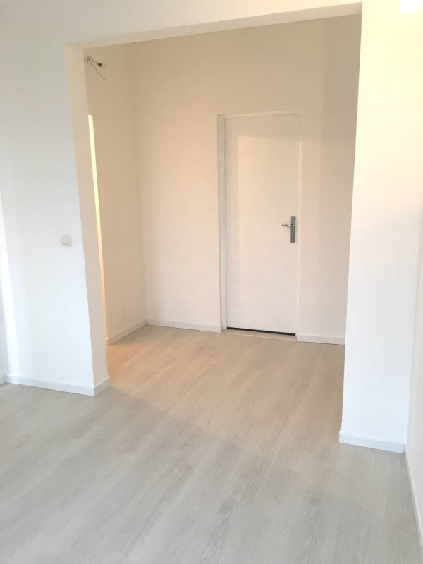 Rental apartment Montreuil 780€ CC - Picture 1