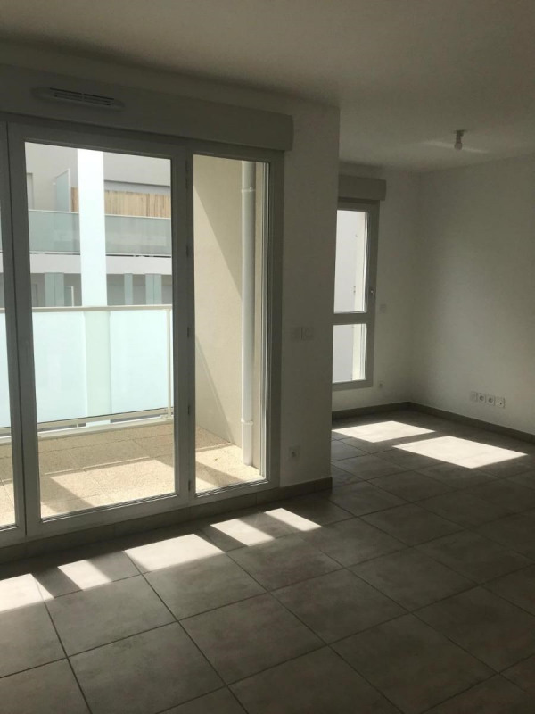 Location appartement Villeurbanne 630€ CC - Photo 3
