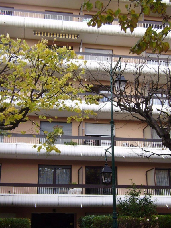 Rental apartment Colombes 633€ CC - Picture 1