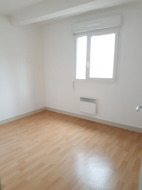 Location appartement Aubigny sur nere 541€ CC - Photo 3
