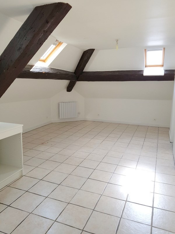 Rental apartment Lozanne 305€ CC - Picture 1