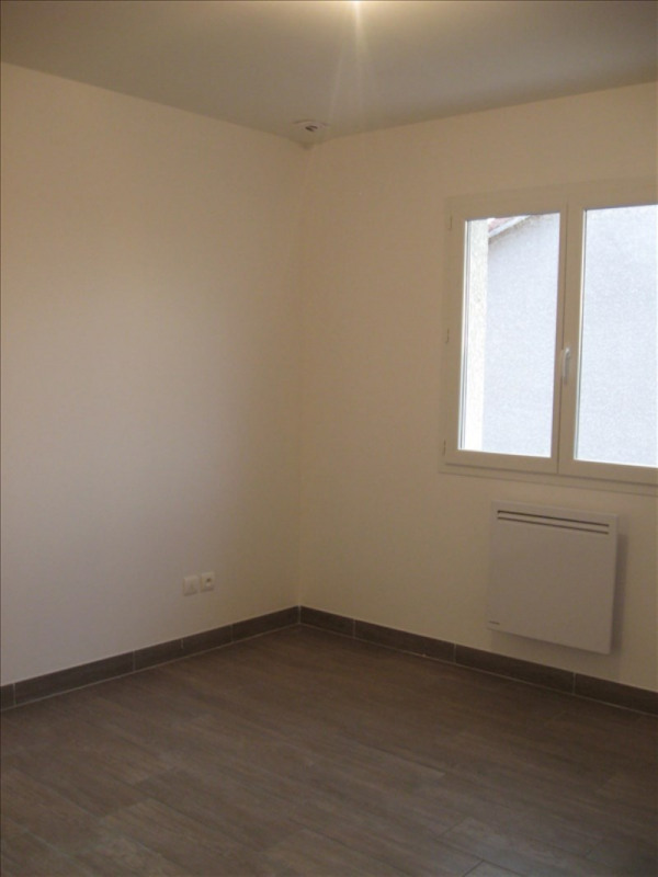Location maison / villa St vulbas 1 020€ CC - Photo 10