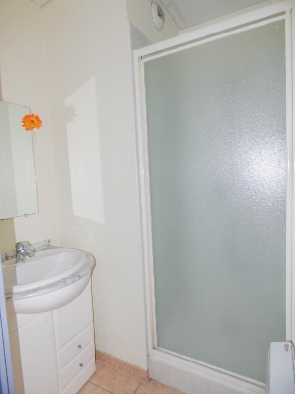Verkoop  appartement Uzes 110000€ - Foto 7