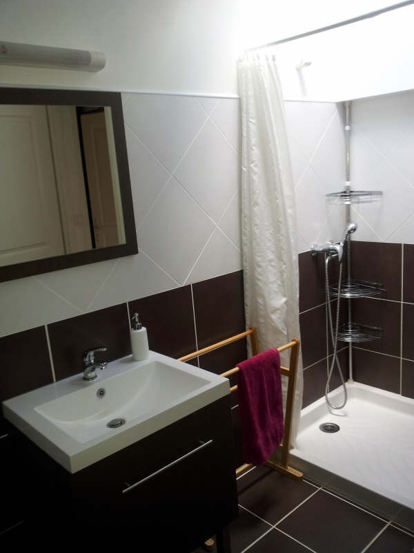 Rental house / villa St androny 635€ CC - Picture 5