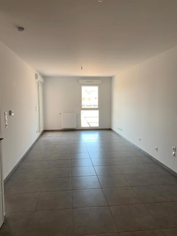 Location appartement Bron 560€ CC - Photo 3