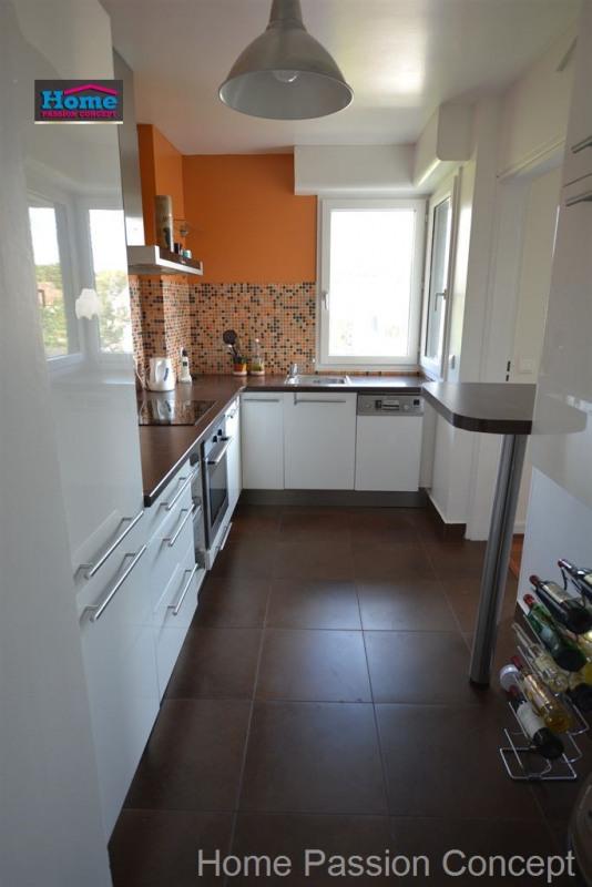 Rental apartment Rueil malmaison 1999€ CC - Picture 2