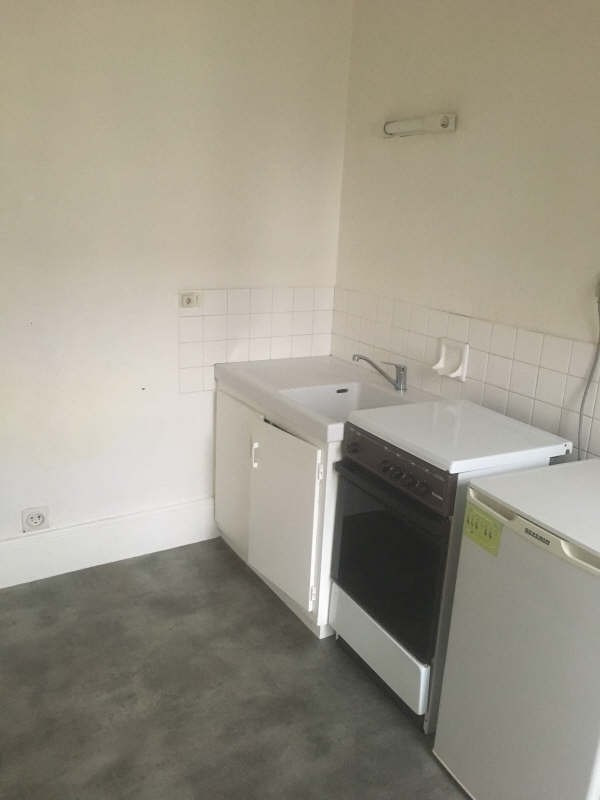 Location appartement Poitiers 336€ CC - Photo 4