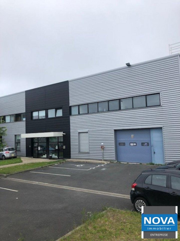 Vente local commercial Stains 749 000€ - Photo 1