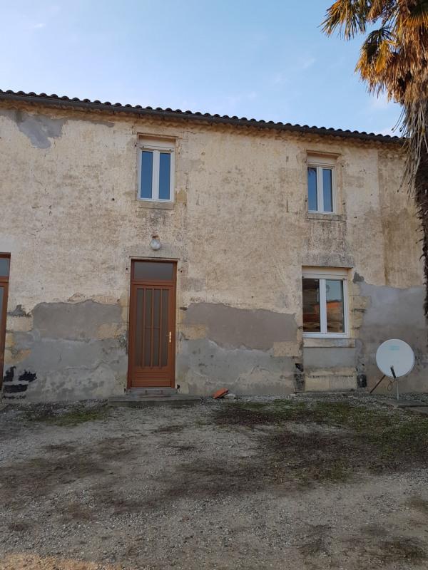 Maison Mitoyenne de type 3 avec petit devant de porte