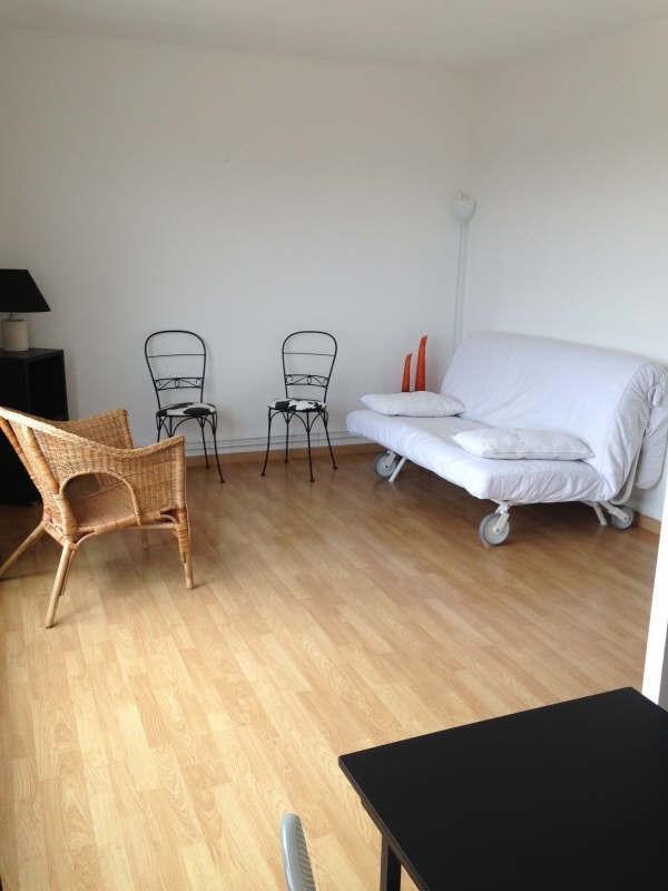 Rental apartment Maurepas 700€ CC - Picture 1
