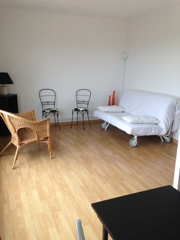Location appartement Maurepas 700€ CC - Photo 1