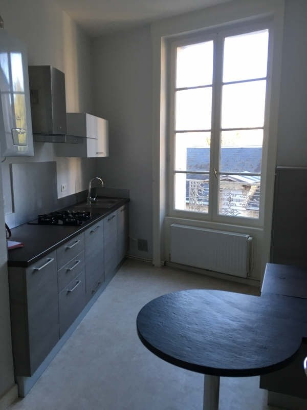 Rental apartment Poitiers 589€ CC - Picture 1