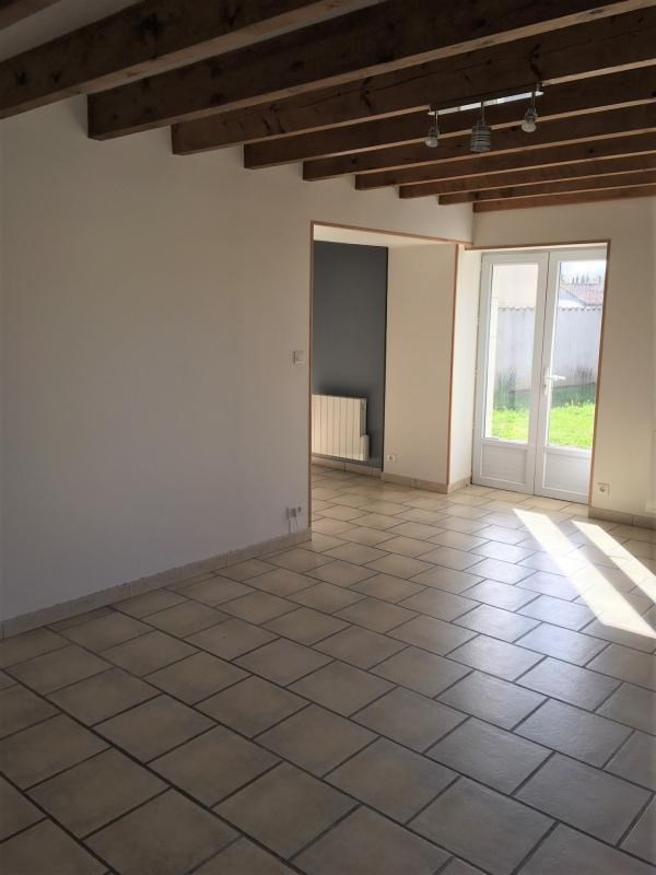 Sale house / villa Frontenay rohan rohan 138 000€ - Picture 3