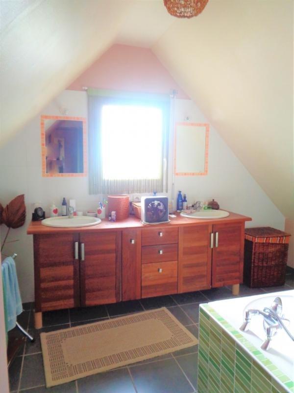 Sale house / villa Tregarantec 229900€ - Picture 10