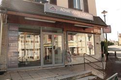 Location local commercial La tour du pin 650€ CC - Photo 3