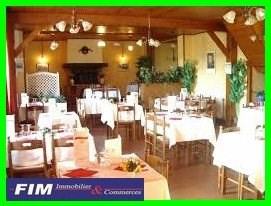 Vente local commercial St quentin la motte 355 000€ - Photo 1