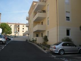 Verhuren  parkeergelegenheid Salon de provence 55€ CC - Foto 1