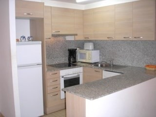 Sale apartment Roses 145 000€ - Picture 2