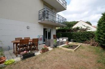 Rental apartment Sainte genevieve des bois 990€ CC - Picture 2