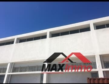 Location local commercial St pierre 8 250€ HT/HC - Photo 2