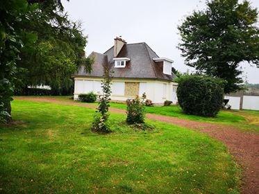 Location maison / villa Lilliers 885€ CC - Photo 1