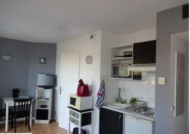 Sale apartment La rochelle 145000€ - Picture 2