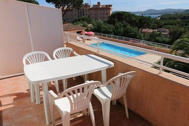 Vacation rental apartment Les issambres 715€ - Picture 1