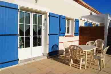 Vacation rental house / villa Saint michel chef chef 330€ - Picture 2