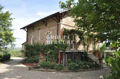 Loire - proche de roanne - maison de caractère avec dependan