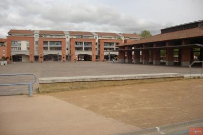 Castanet hyper centre