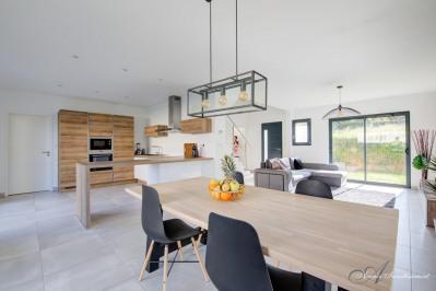 Limonest - maison contemporaine 130 m² - terrain 606 m²