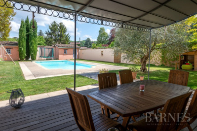 Collonges-Au-Mont-d'Or - Bourgeois house of 285 sqm - Land of 75