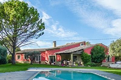 Deluxe sale house / villa Carpentras 630000€ - Picture 1