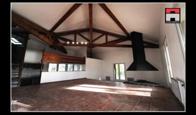 Maison d'architecte T6 avec terrain arboré