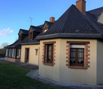 Maison Quelaines Saint Gault 9 pièce (s) 200 m²