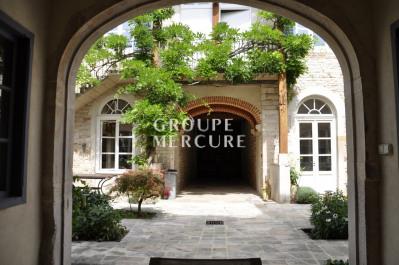 FOR SALE NICE HOUSE CENTER VILLAGE PONT-DE-VAUX 309 m2 - 498