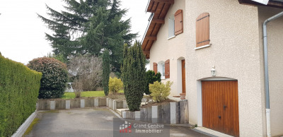 Vétraz-Monthoux detached house in peace with full basement.