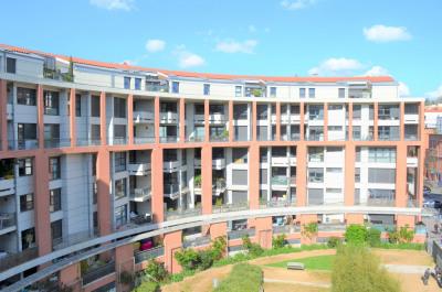 T2 Matabiau récent balcon calme climatisé parking