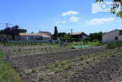 Terrain Arvert 1070 m²