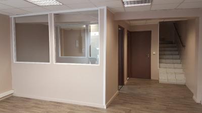 Local commercial / Bureau HYERES - 85 m²