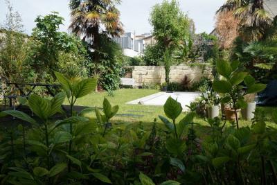 Grand appartement ancien avec jardin/piscine - St Seurin