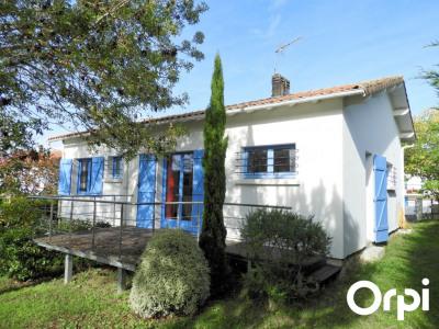 Maison Saint Palais Sur Mer 4 pièce (s) 74 m² à 700