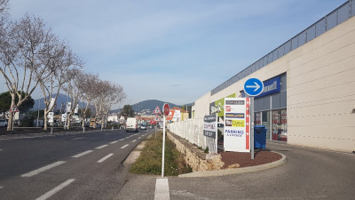 Local commercial LA GARDE - 400 m2