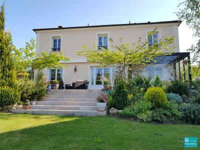 Maison Verrières-le-Buisson - 9 pièce (s) - 318 m²