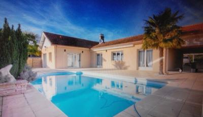 Maison de plain pied 3 chambres avec piscine, terrasse et grand